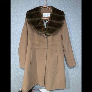 Beautiful Jessica Simpson Faux Fur Coat 🧥